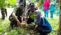 Sinergitas Tiga Pilar Desa Lakukan Penanaman Pohon Bersama