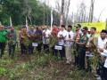 Bersama Jajaran Forpimda, Dandim Bojonegoro Sambut Kunker Menteri Koperasi Dan UKM RI Lakukan Panen Perdana Kacang Tanah