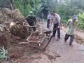 Soliditas TNI Polri dan Warga Atasi Dampak Longsor