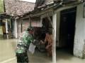 Aksi Tanggap Darurat Banjir Koramil 0814/11 Sumobito