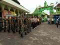 Peringati Hari Peduli Sampah Nasional, Kodim 0811/Tuban  Bersihkan Makam Ulama