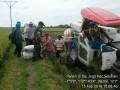 Menjaga Ketahanan Pangan Babinsa Mantup Dampingan Panen padi dengan Alsintan (Combine)