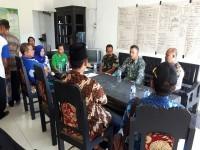 Bati Tuud Koramil 0811/18 Parengan Mengikuti Monitoring Dan Evaluasi Pengelolaan Keuanganan Desa