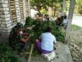 Personil TMMD Bantu Petani Sayur