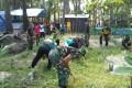 Anggota Koramil 0811/02 Palang beserta Instansi se Kecamatan Palang  Gelar Jumat Bersih