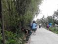 Antusias Masyarakat Bersama Babinsa Dalam Melaksanakan Kerjabakti Bersihkan Lingkungan