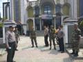 Berikan Rasa Aman Kepada Jamaah Sholat Jumat, TNI Polri melaksanakan pengamanan di berbagai masjid di Wilayah Lamongan