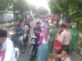 TNI Dan Persit Turun Ke Jalan Bagikan Takjil Gratis