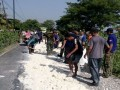 Wujud gotong royongdalam karyabakti bersama TNI-Polri dan masyarakat