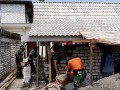 Kompak !!! Babinsa Dengan Warga Gotong Royong Dalam Pembangunan RTLH