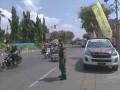 TNI Bantu Atur Lalu Lintas Arus Mudik Lebaran Di Tuban