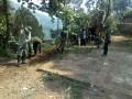 Bersama Warga, Satgas TMMD Ke-102 Bergotong Royong Bangun TPT SDN Jembul