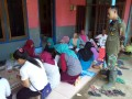 Kaum Ibu Desa Jembul Tuntaskan Praktek Pembuatan Makanan Olahan