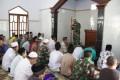 Bersama Warga, Satgas TMMD Tunaikan Sholat Jum'at di Masjid Al-ikhlas