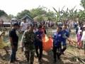 Babinsa Koramil 0814/11 Sumobito Bantu Evakuasi Korban Tenggelam