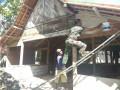 Ini Yang Dilakukan Babinsa Koramil 0813-14/ Tambakrejo Bantu Warga Binaannya