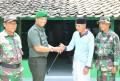 Dandim 0814 Jombang Serahkan Kunci RTLH Veteran