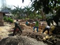 TNI Pelopori Pembuatan Plengsengan Di Desa Binaanya