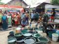 Bersama BPBD Kodim 0815 Mojokerto Distribusikan Bantuan Air Bersih
