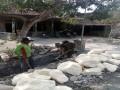 Babinsa Desa Supenuh bantu Warga dalam Karya Bhakti Pembuatan Saluran Irigasi