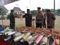 Ribuan Barang Bukti Miras Dan Knalpot Dimusnahkan Dandim 0811/Tuban Dalam  Apel Gelar Pasukan Operasi Lilin Semeru Th 2018