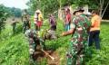Kodim 0813 Bojonegoro, Bersama Masyarakat Hijaukan Bantaran  Sungai Bengawan Solo