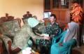 Ketua Persit Kartika Chandra Kirana PD V Brawijaya Berikan Tali Asih Anggota Kodim 0813 Bojonegoro