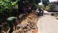Antisipasi Banjir, Koramil Babat Bersama Unsur Terkait Laksanakan Karya Bhakti Bersihkan Saluran Irigasi