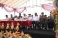 Danrem 082/CPYJ, Turut Mendampingi Menteri Pertanian RI Panen Jagung di Lamongan.