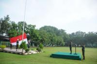 Danrem 082/CPYJ Sebagai Inspektur Upacara Bendera