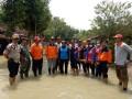 Babinsa Koramil 0815/08 Dawarblandong Pantau Lokasi Banjir Luapan Kali Lamong