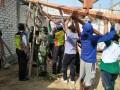Anggota Koramil 0811/11 Kenduruan Karya Bakti Bersama Masyarakat  Dirikan TPQ